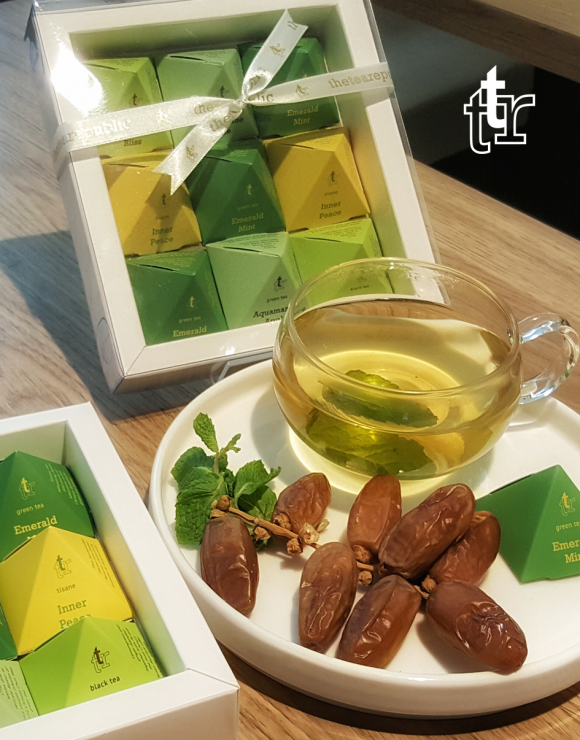 tea-pyramid-gift-box-raya-02
