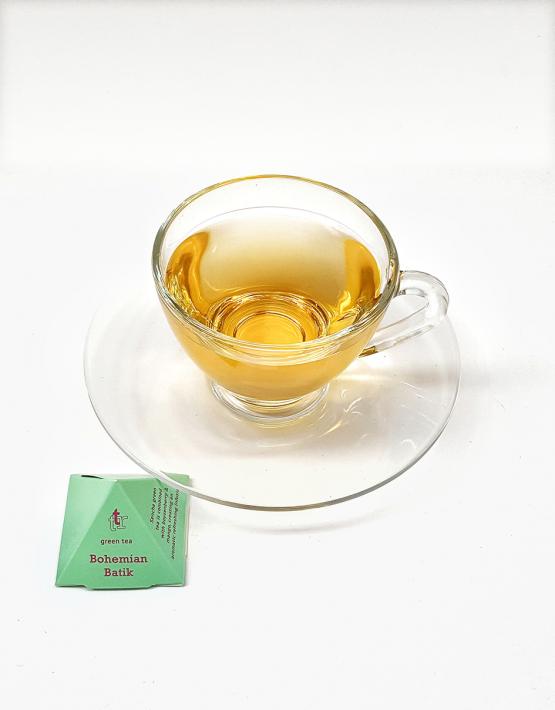 tea-glass-cup-saucer-2017-01